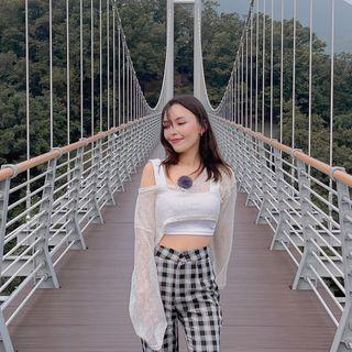 Asya Vivian • 아시아
