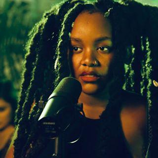 Refi Sings
