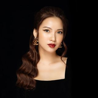 Linh Truong 👄 YouTube Creator