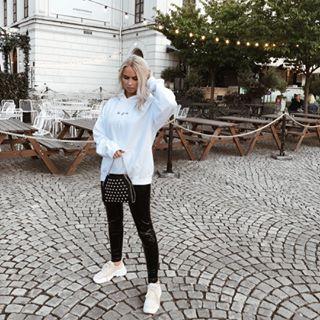 Moa Häll Eriksson, 17