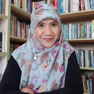 Dr. Helvy Tiana Rosa, M.Hum.
