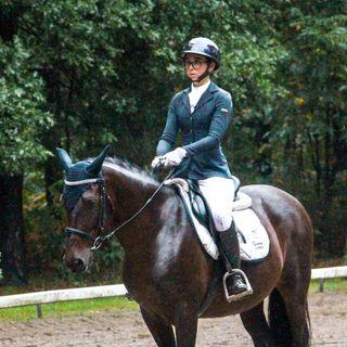 Elly 📸 Equestrian Youtuber