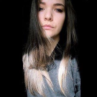 • ELISA ANDREON •