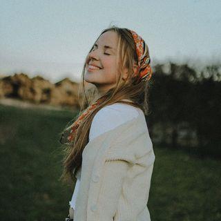 Hannah Anaïs (Photographer)