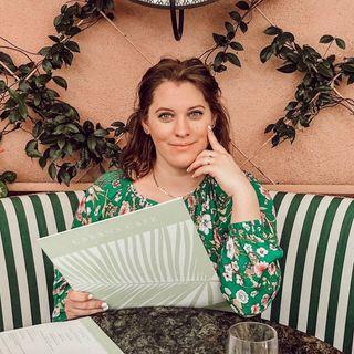 Katie White-Carson 👑