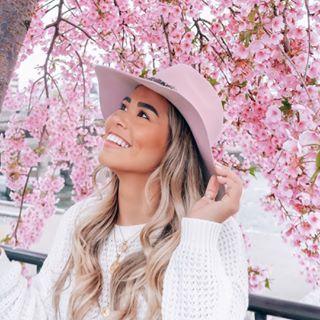 Camilla | Travel + Lifestyle