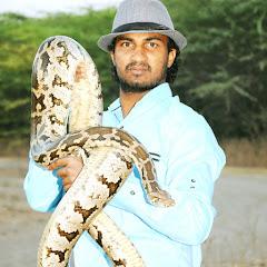 Sarpmitra Akash Jadhav