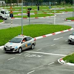 Học lái xe ôtô b2