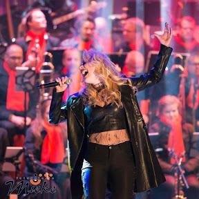 Laura van den Elzen Singer Songwriter