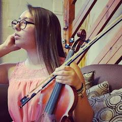 Almendra Nicole Violinista