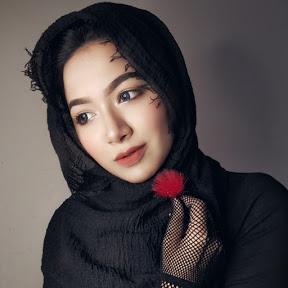 Mahi's Hijab & Fashion Book