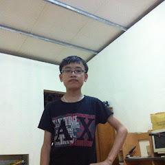 Hùng Akira Sinh Tồn Survival