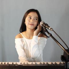 Michela Thea