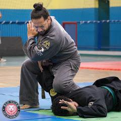 Mestre Daniel Ravazzani nunchaku