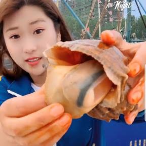 Fisherman Eat Seafood